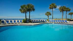 5 outdoor pools, pool loungers