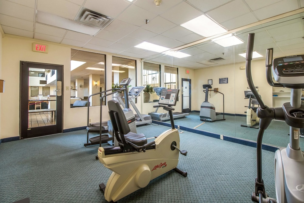 Fitness Facility, Clarion Hotel Convention Center Jackson Northwest