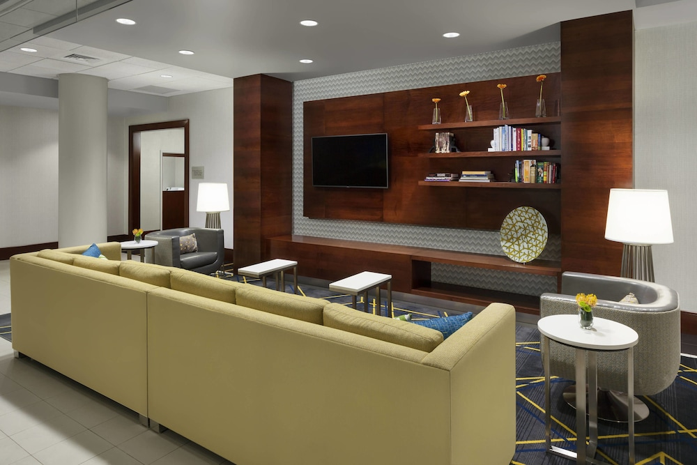 Lobby, Courtyard by Marriott Boston-Cambridge