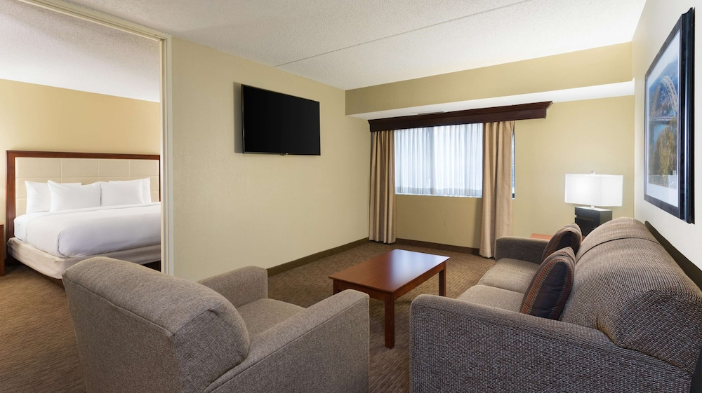 Room Amenity, DoubleTree Suites by Hilton Cincinnati - Blue Ash