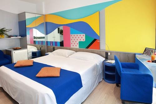 米迪奧拉姆米拉諾飯店