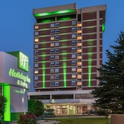 Holiday Inn & Suites Pittsfield-Berkshires
