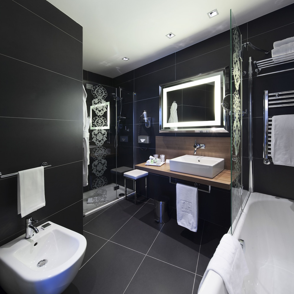 Bathroom, NH Collection Milano President