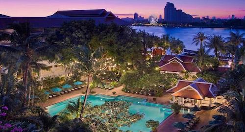 Anantara Riverside Bangkok Resort - SHA Certified