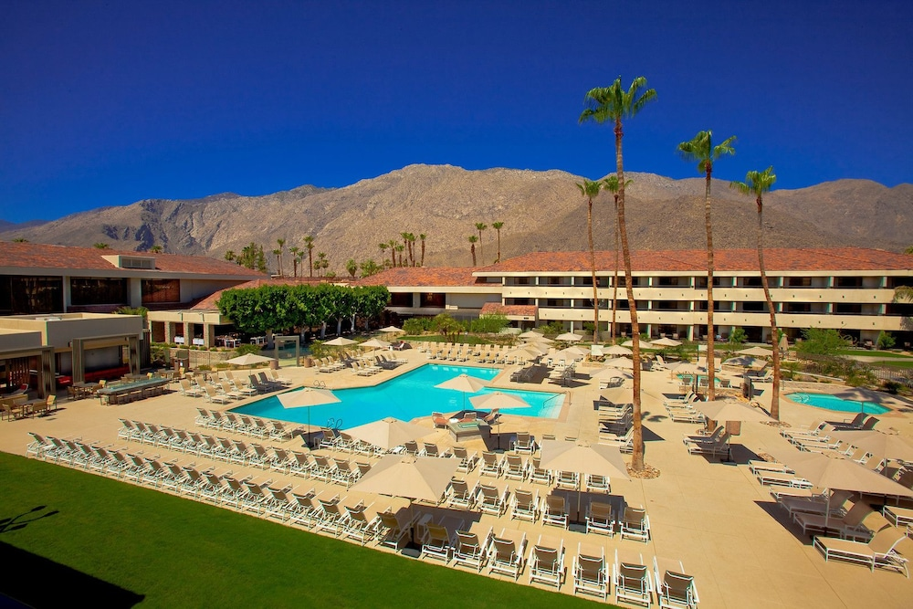 Outdoor Pool, Hilton Palm Springs Resort
