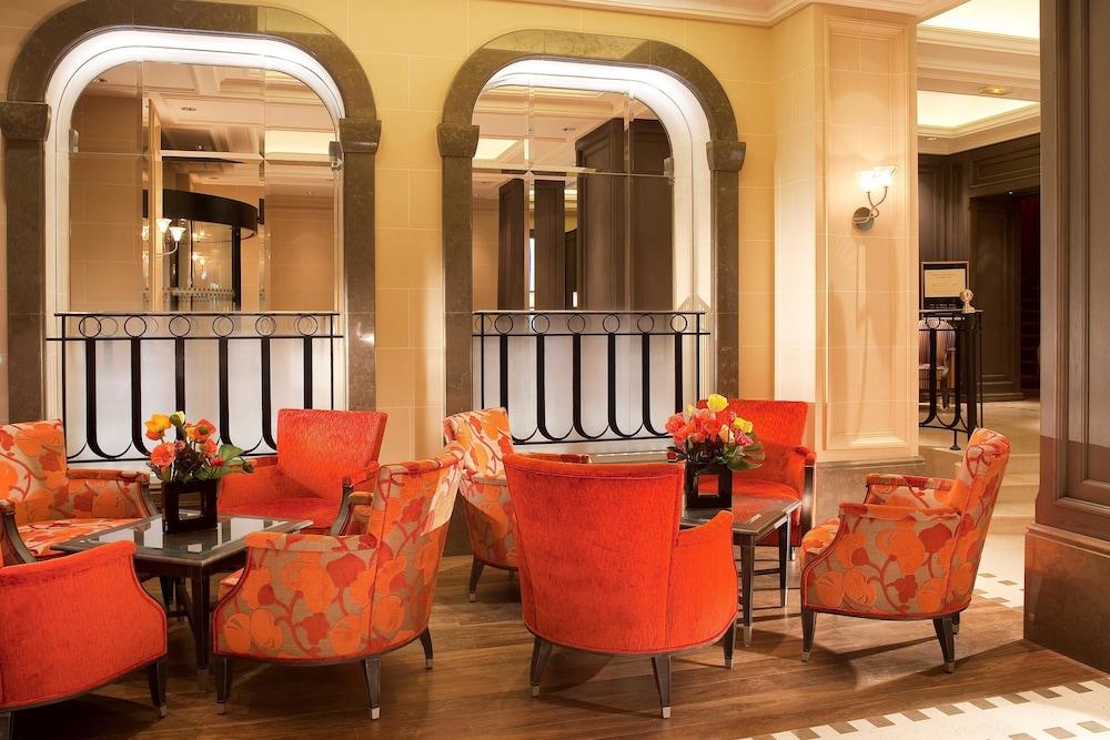 chateau frontenac hotel in paris hotel rates reviews in orbitz. Black Bedroom Furniture Sets. Home Design Ideas