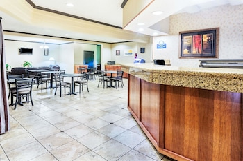 Days Inn and Suites Vancouver Mall