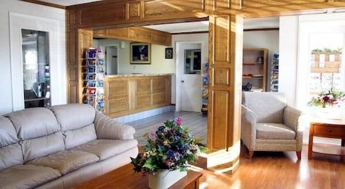 Great Place to stay Gateway Inn near Blanding