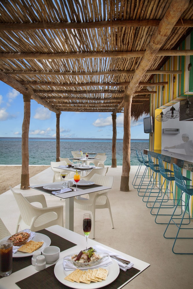 Outdoor Dining, Fiesta Americana Cozumel - All Inclusive