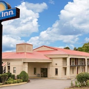 Days Inn by Wyndham Cleveland TN