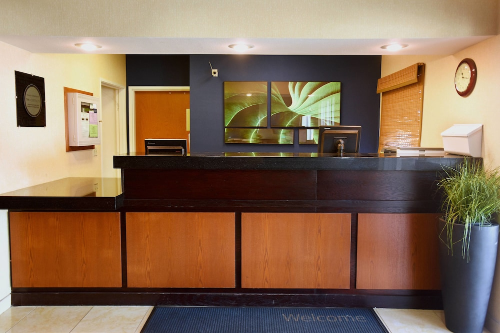Lobby, Fairfield Inn Topeka