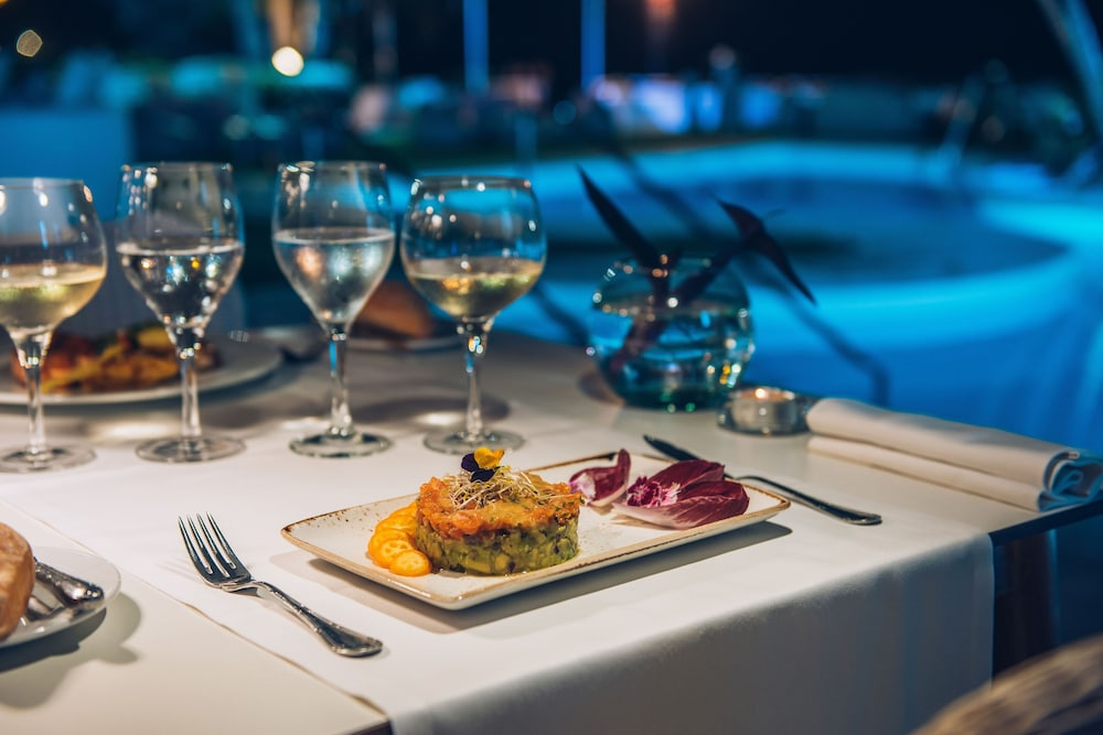 Outdoor Dining, Iberostar Selection Marbella Coral Beach