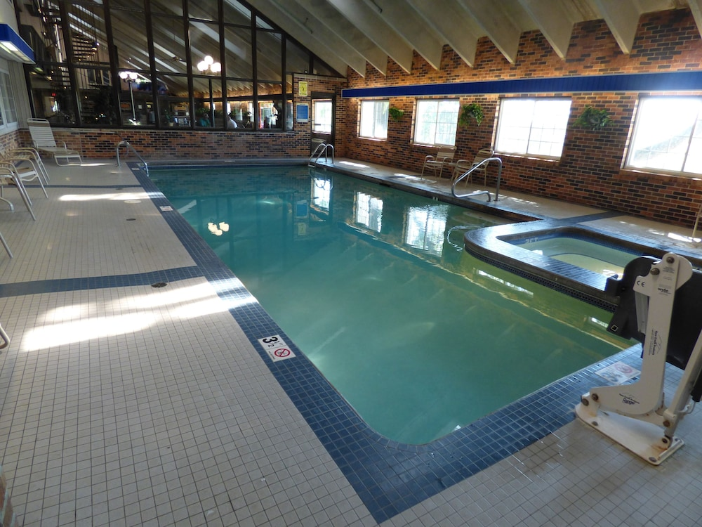 Indoor Pool, Best Western Plus Longbranch Hotel & Convention Center