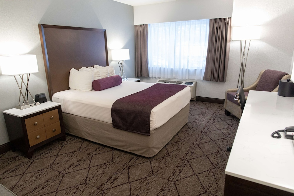 Room, Best Western Plus Longbranch Hotel & Convention Center