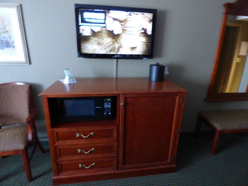 Microwave, Best Western Plus Longbranch Hotel & Convention Center
