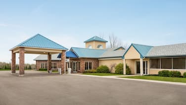 Days Inn & Suites by Wyndham Moncton