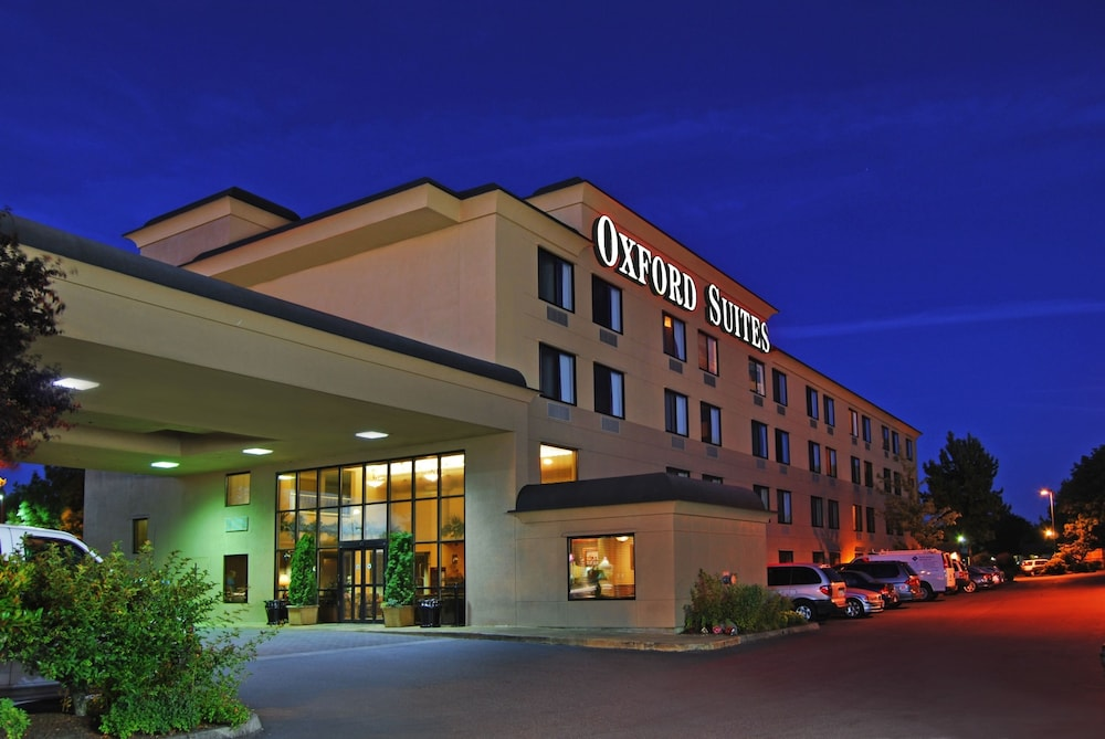 Oxford Suites Portland Jantzen Beach In Hotel Rates Reviews On Orbitz