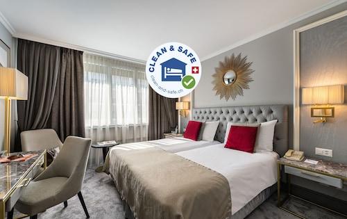 皇家漫歐飯店