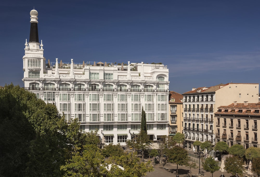 Front of Property, ME Madrid by Melia