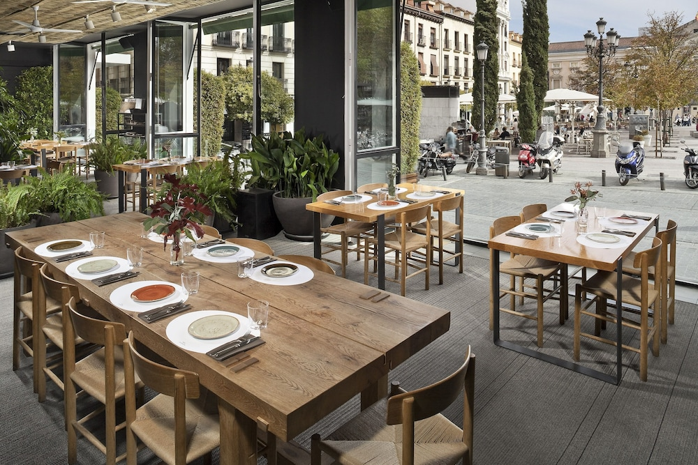 Restaurant, ME Madrid by Melia