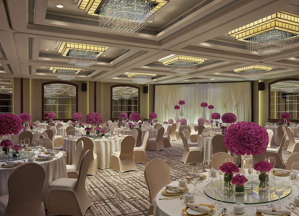 Indoor Wedding, New World Millennium Hong Kong Hotel