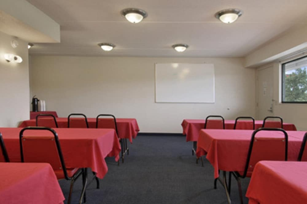 Meeting Facility, Red Roof Inn St Louis - Westport
