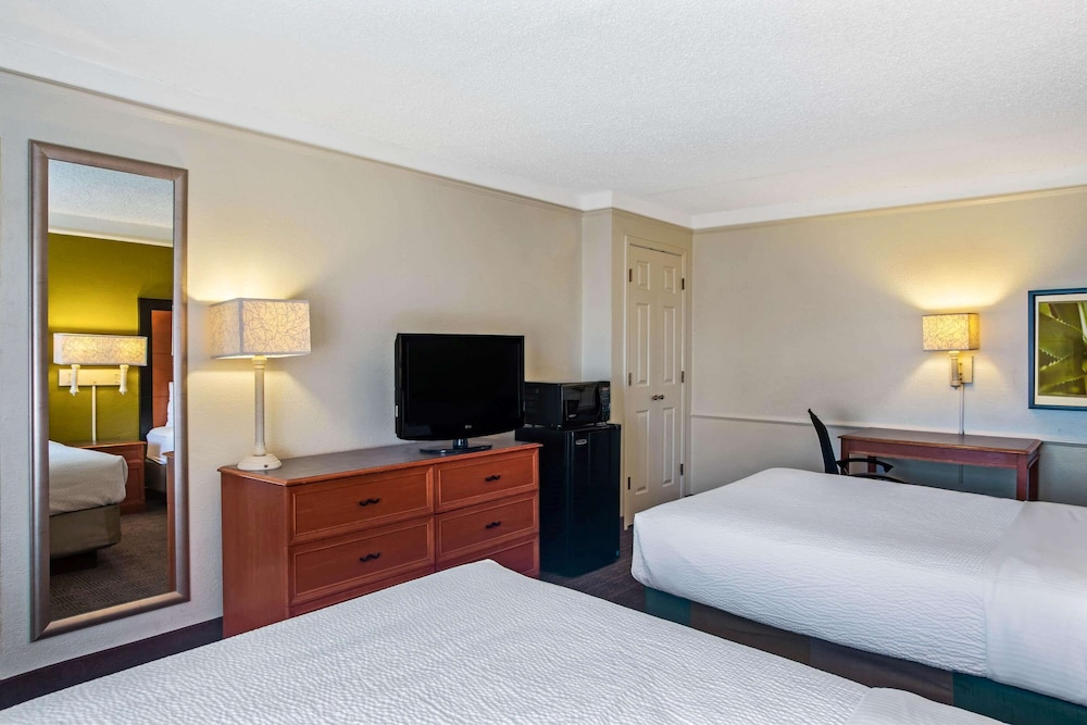 Room, La Quinta Inn by Wyndham Killeen - Fort Hood