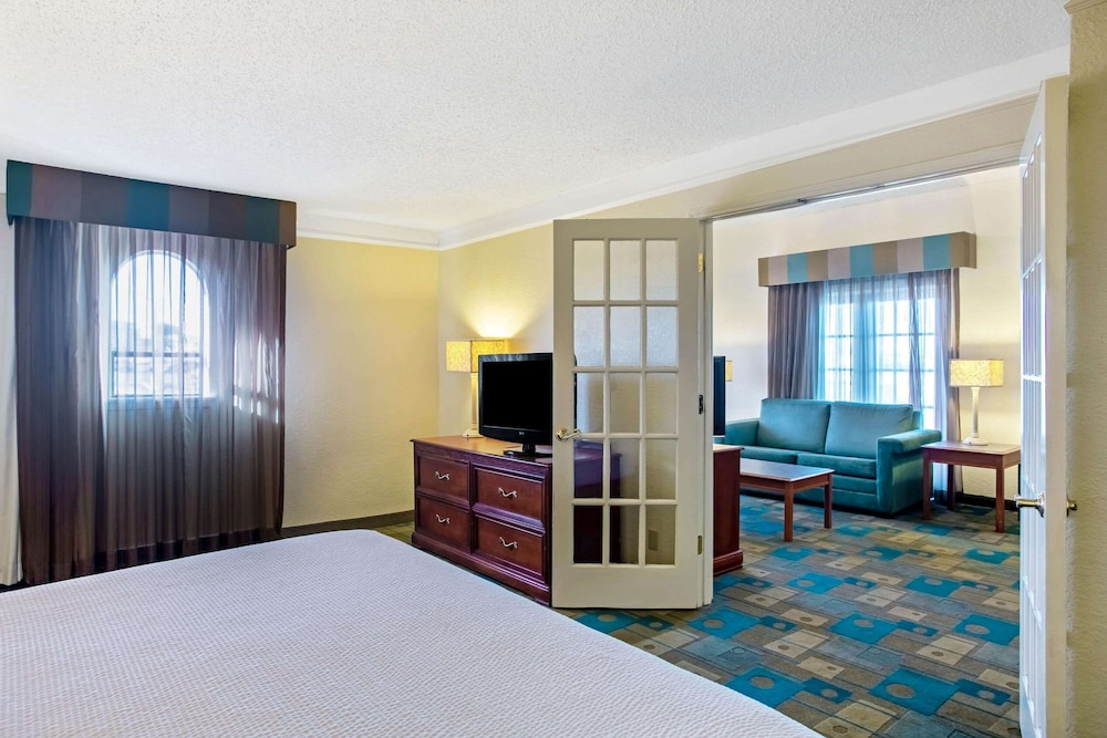 Room Amenity, La Quinta Inn by Wyndham Killeen - Fort Hood