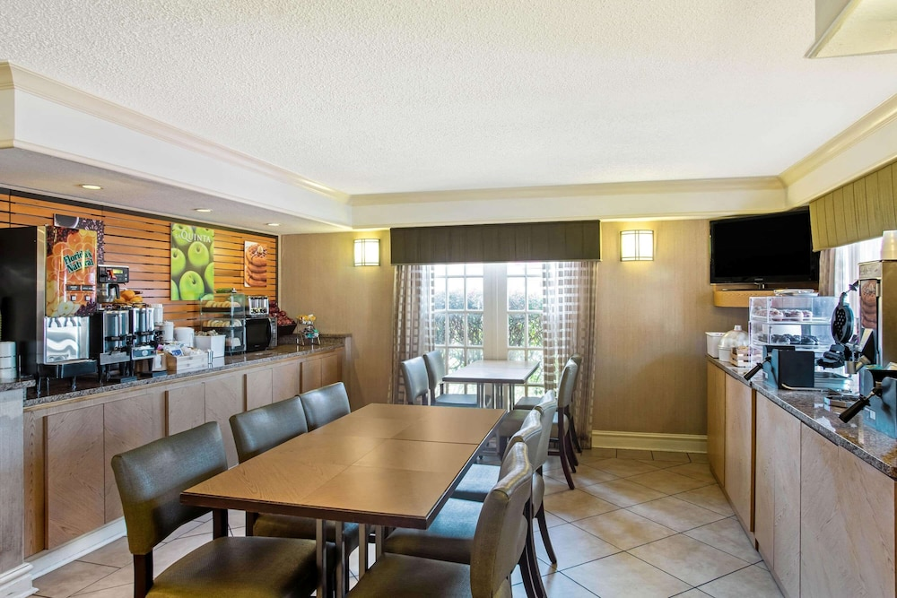 Coffee Service, La Quinta Inn by Wyndham Killeen - Fort Hood