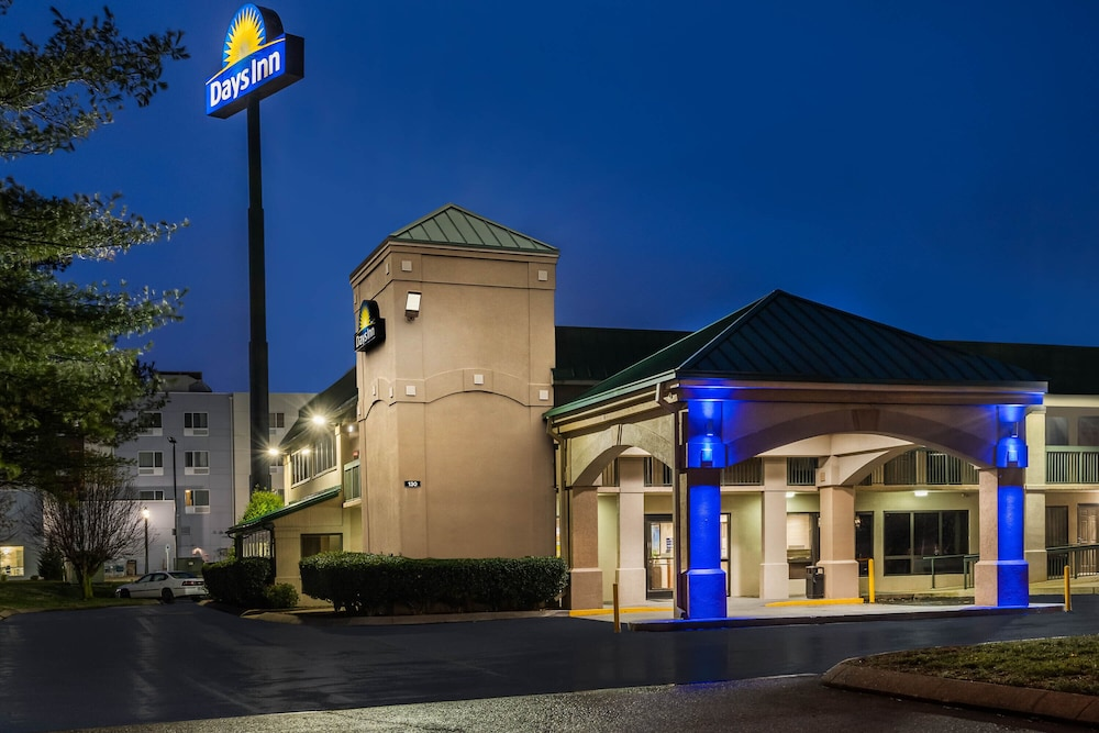 Exterior, Days Inn by Wyndham Clarksville North