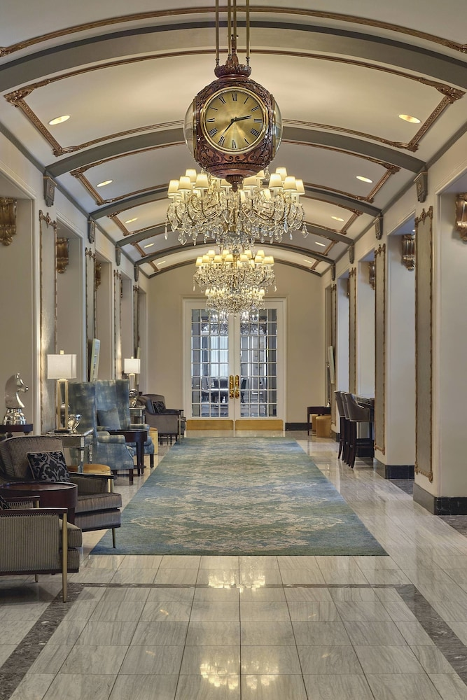 Lobby, The Hotel Saskatchewan, Autograph Collection