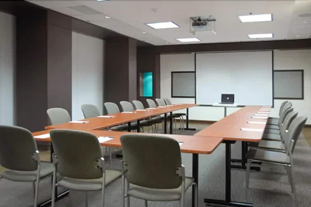Meeting Facility, Bond Place Hotel