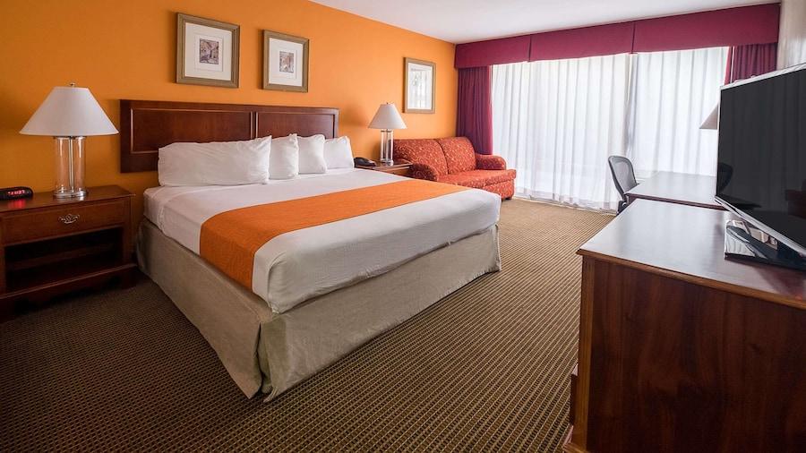 Howard Johnson Hotel&Conf Cntr by Wyndham Fullerton/Anaheim