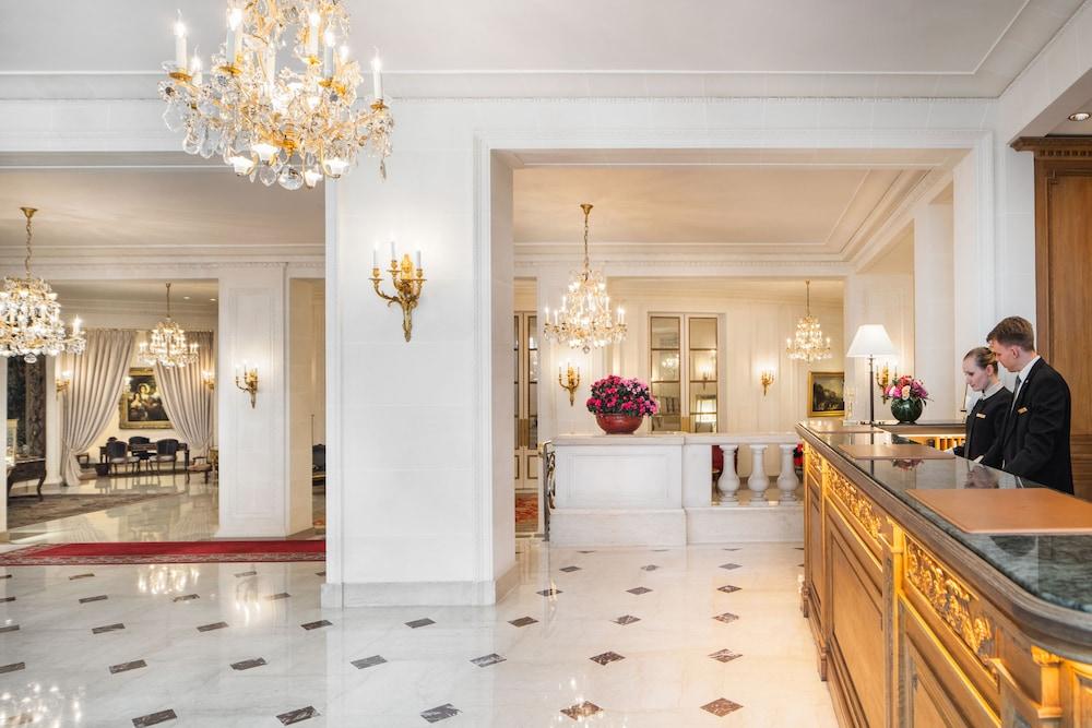 Le Bristol Paris - an Oetker Collection Hotel (Parigi ...
