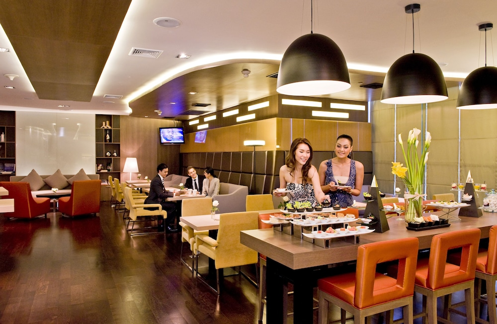 Restaurant, Novotel Bangkok On Siam Square