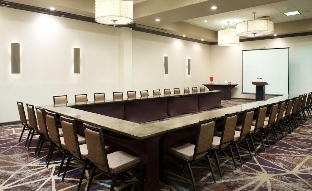 embassy suites philadelphia airport 2019 room prices. Black Bedroom Furniture Sets. Home Design Ideas