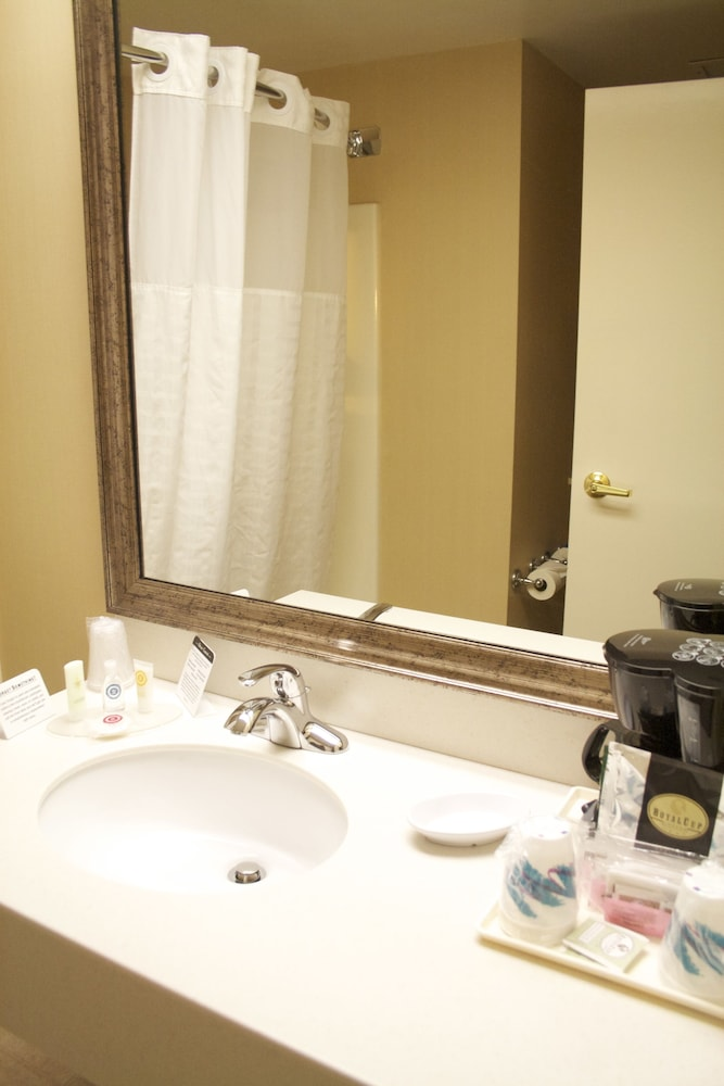 Bathroom, Comfort Inn Bellingham