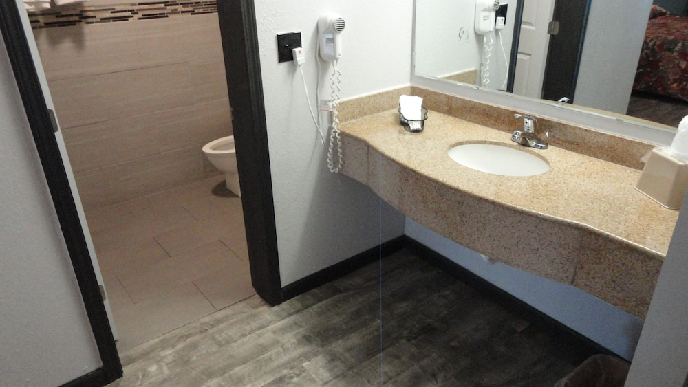 Western Inn Room Prices From Deals Reviews Expedia - 10000 usd bathroom remodel