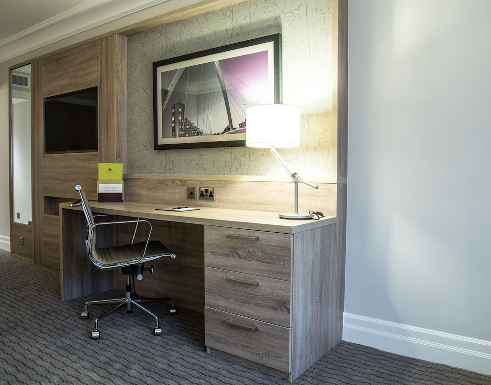 Room, DoubleTree by Hilton Glasgow Central