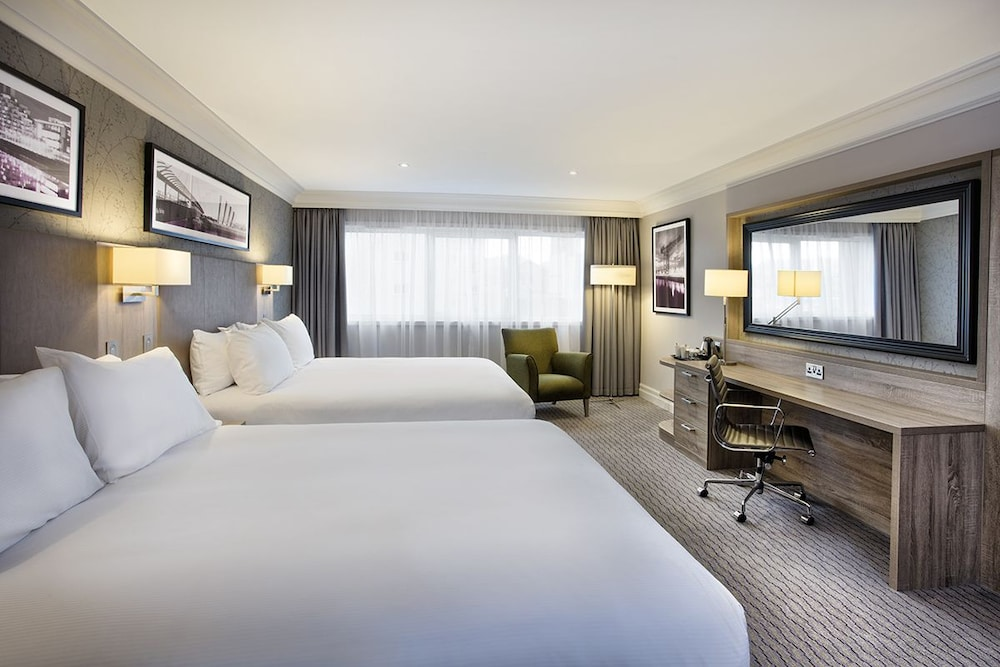 Doubletree by hilton glasgow central glasgow gbr expedia for Design hotel glasgow