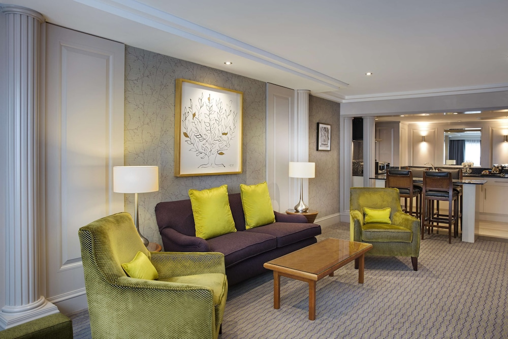 Living Area, DoubleTree by Hilton Glasgow Central