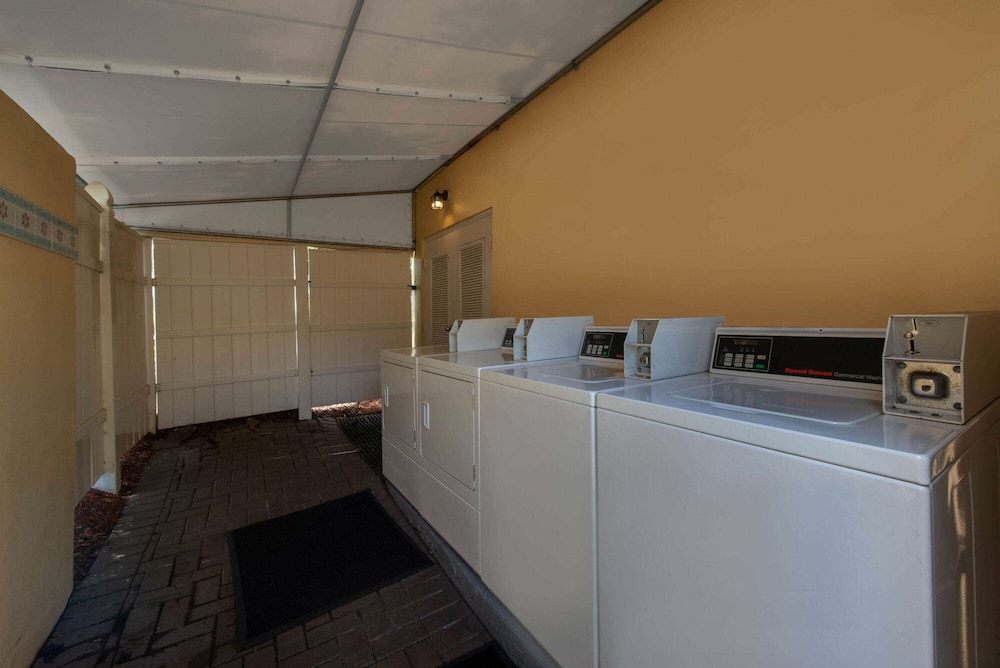 Laundry Room, La Quinta Inn & Suites by Wyndham Deerfield Beach I-95