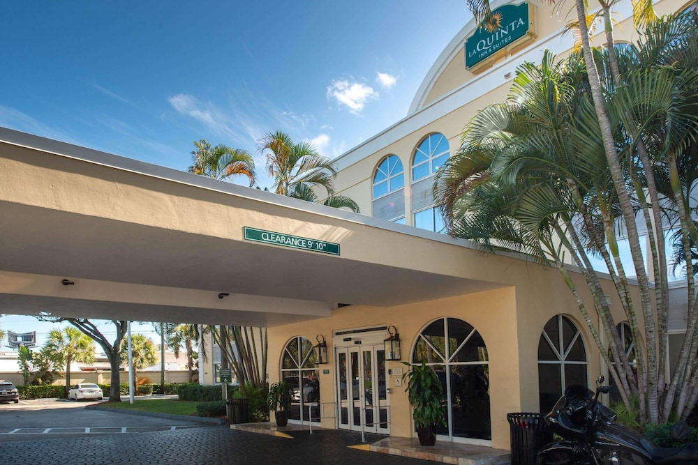 Exterior, La Quinta Inn & Suites by Wyndham Deerfield Beach I-95