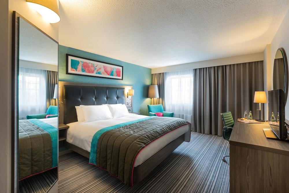 book jurys inn belfast belfast hotel deals. Black Bedroom Furniture Sets. Home Design Ideas