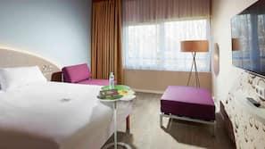 Ropa de cama de alta calidad y cortinas opacas