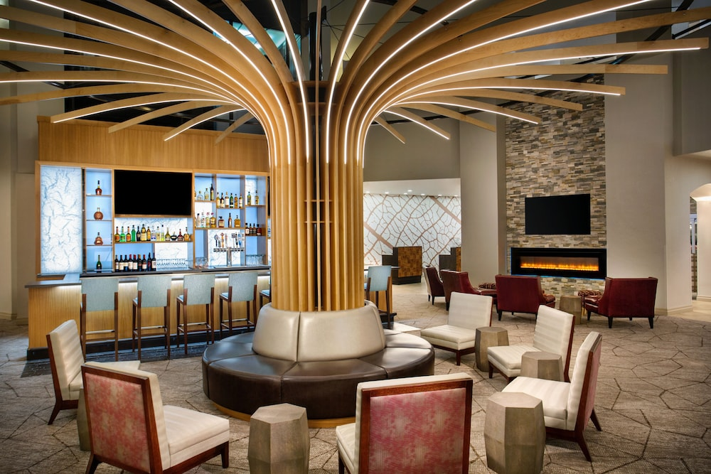 Bar, Crowne Plaza Portland-Lake Oswego