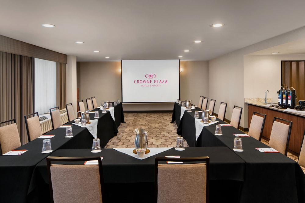 Meeting Facility, Crowne Plaza Portland-Lake Oswego