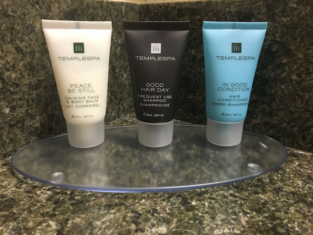 Bathroom Amenities, Crowne Plaza Portland-Lake Oswego