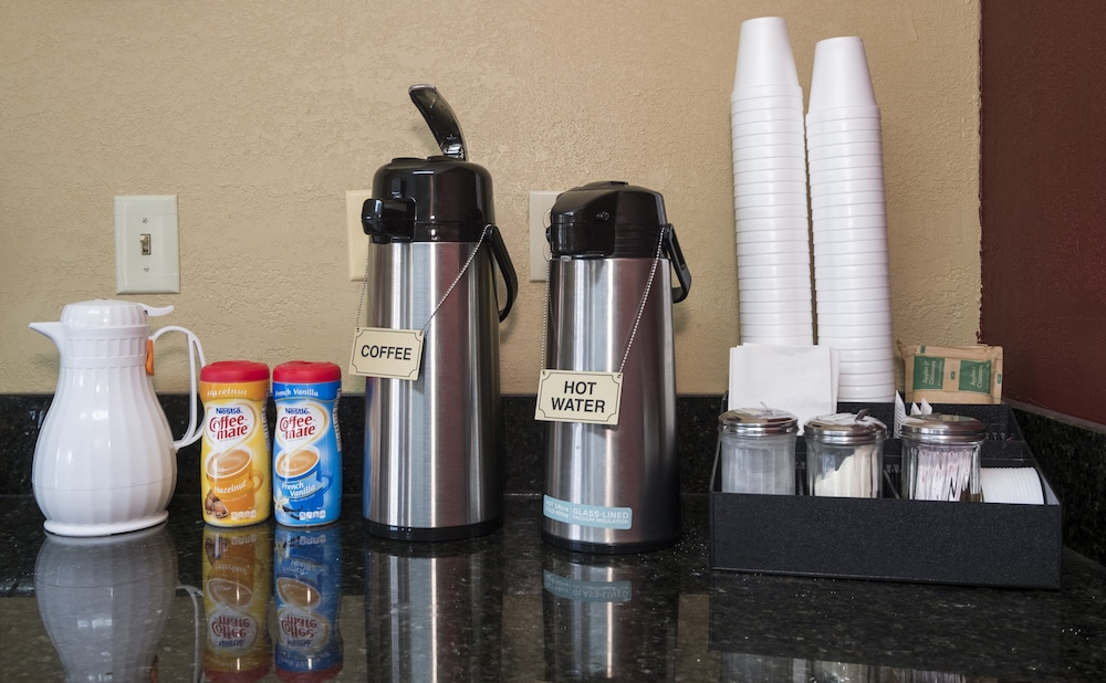 Coffee and/or Coffee Maker, Red Roof Inn Acworth
