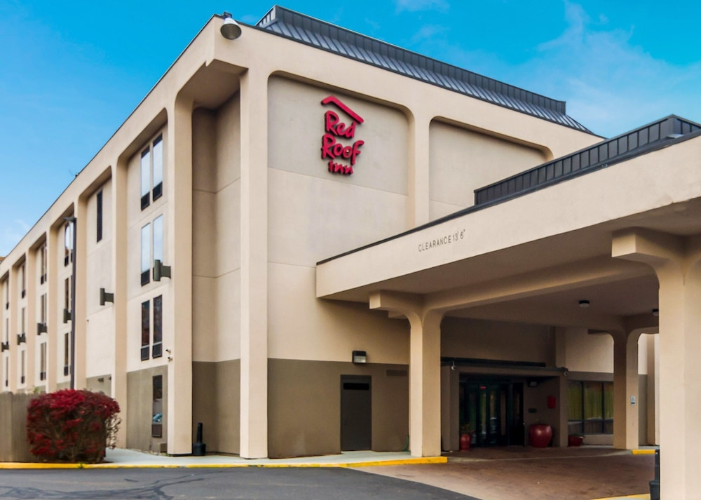 Featured Image, Red Roof Inn Meriden